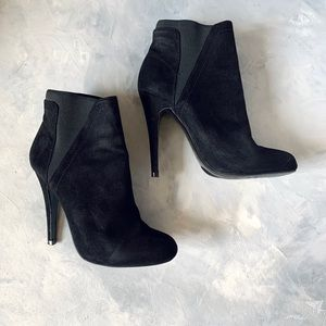 Super sexy black suede boots/booties size 5